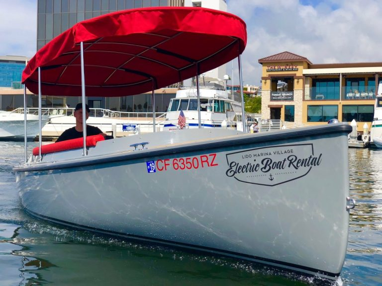 2018 FANTAIL 217   GREY & RED