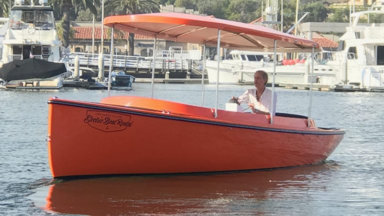 2017 FANTAIL 217 | ORANGE | FULL EQUIPPED
